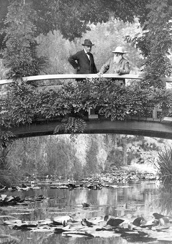 К. Моне в своем саду. Живерни, 1922