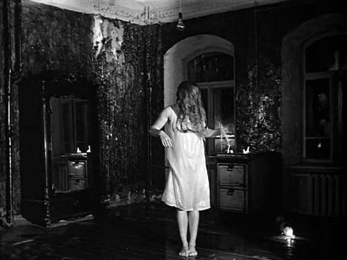 Кадр из фильма Андрея Тарковского «Зеркало» (1974)