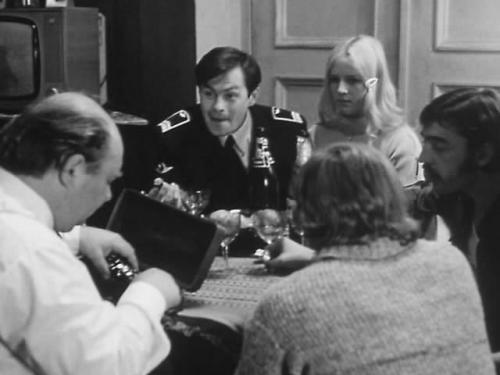 Кадр из фильма Виталия Мельникова «Старший сын» (1975)