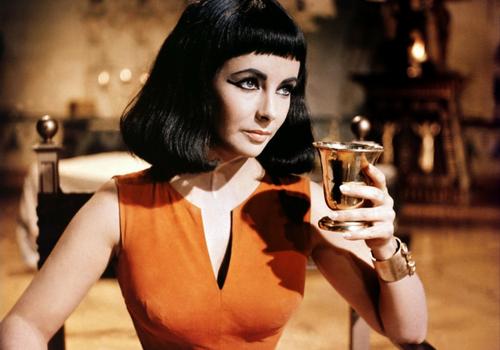 Кадр из фильма Джозефа Манкевича «Клеопатра» (1963)