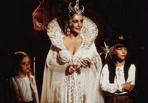 Кадр из фильма Джорджа Кьюкора «Синяя птица» (1976)