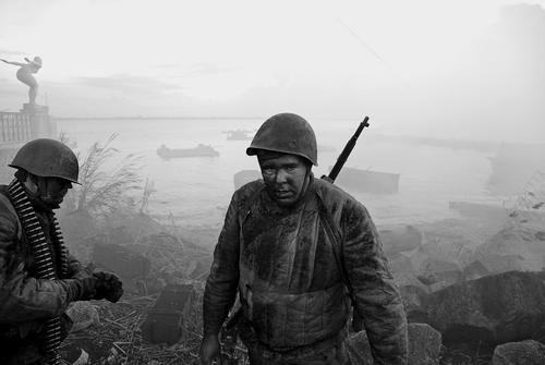 На съёмках фильма «Сталинград». Фото А. Низовского