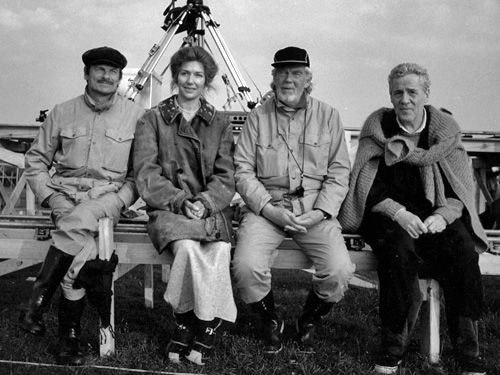 Андрей Тарковский, Сьюзан Флитвуд, Свен Никвист и Эрланд Юсефсон на съемках фильма «Жертвоприношение» (1986)