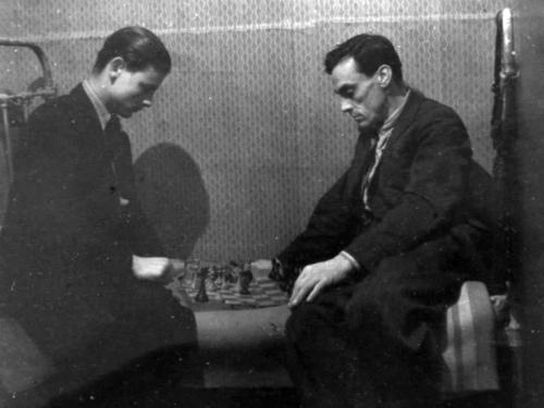 С отцом Арсением Тарковским в доме на Щипке