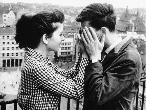 «Расколотое небо» Конрада Вольфа — один из примеров наиболее проблемного кино ГДР.«Расколотое небо». Реж. Конрад Вольф, 1964