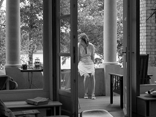 Берлинцы снимают медленное, созерцательное кино о жизни европейца, в которой нет больше событий, крупнее частных.«После полудня». Реж. Ангела Шанелек, 2007