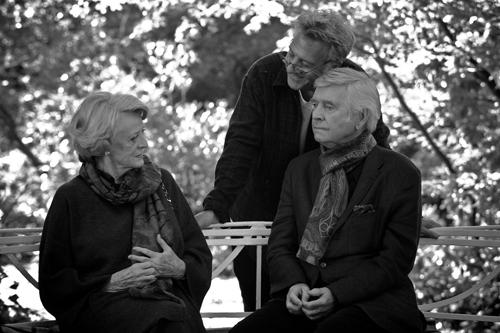 Мэгги Смит, Дастин Хоффман и Том Кортни на съёмках фильма «Квартет». Реж. Дастин Хоффман, 2012