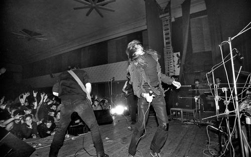 На сцене НЭТИ. Фото Сергея Коротаева, Новосибирск, 1989