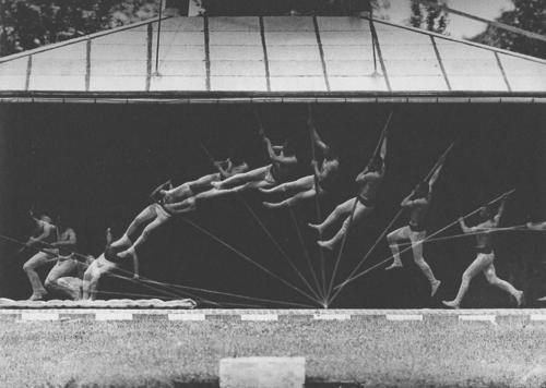 «Прыжок с шестом». Этьен-Жюль Маре, 1890