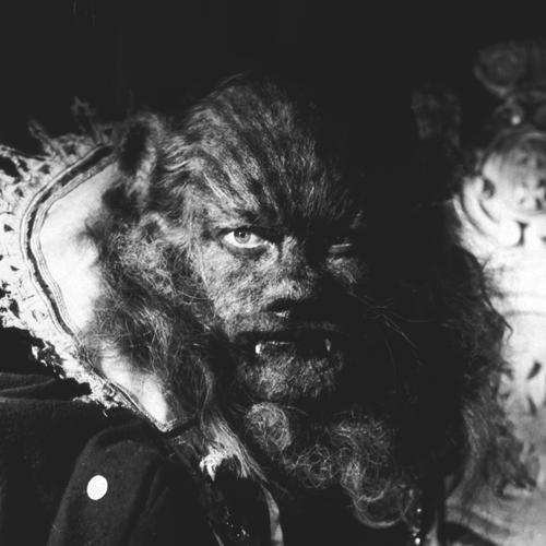 Жан Маре на съемках фильма «Красавица и чудовище». Реж. Жан Кокто, 1946