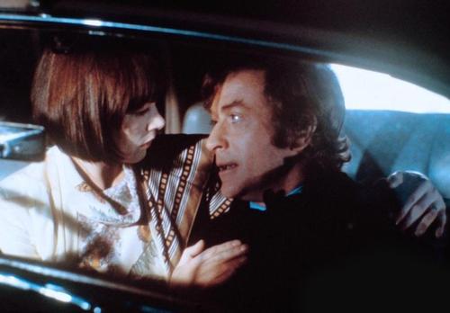 «Романтичная англичанка». Реж. Джозеф Лоузи, 1975