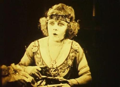 Ванда Хоули в фильме «Похождения Анатоля» (Сесиль Б ДеМилль, 1921)