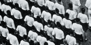 «Зубы дракона» Майи Туровской: Жизнь своим порядком