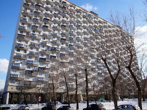25-этажный «Дом на курьих ножках» на проспекте Мира. Арх. В. Андреев и Т. Заикин, 1968