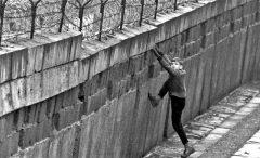 «Дау» вЕвропе: Хржановский построит иразрушит Берлинскую стену