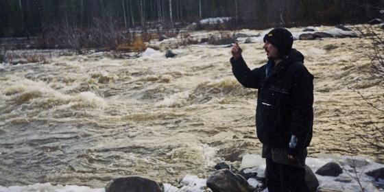 Алексей Балабанов на съемках фильма «Река» / 2002 © Из семейного архива Алексея Балабанова