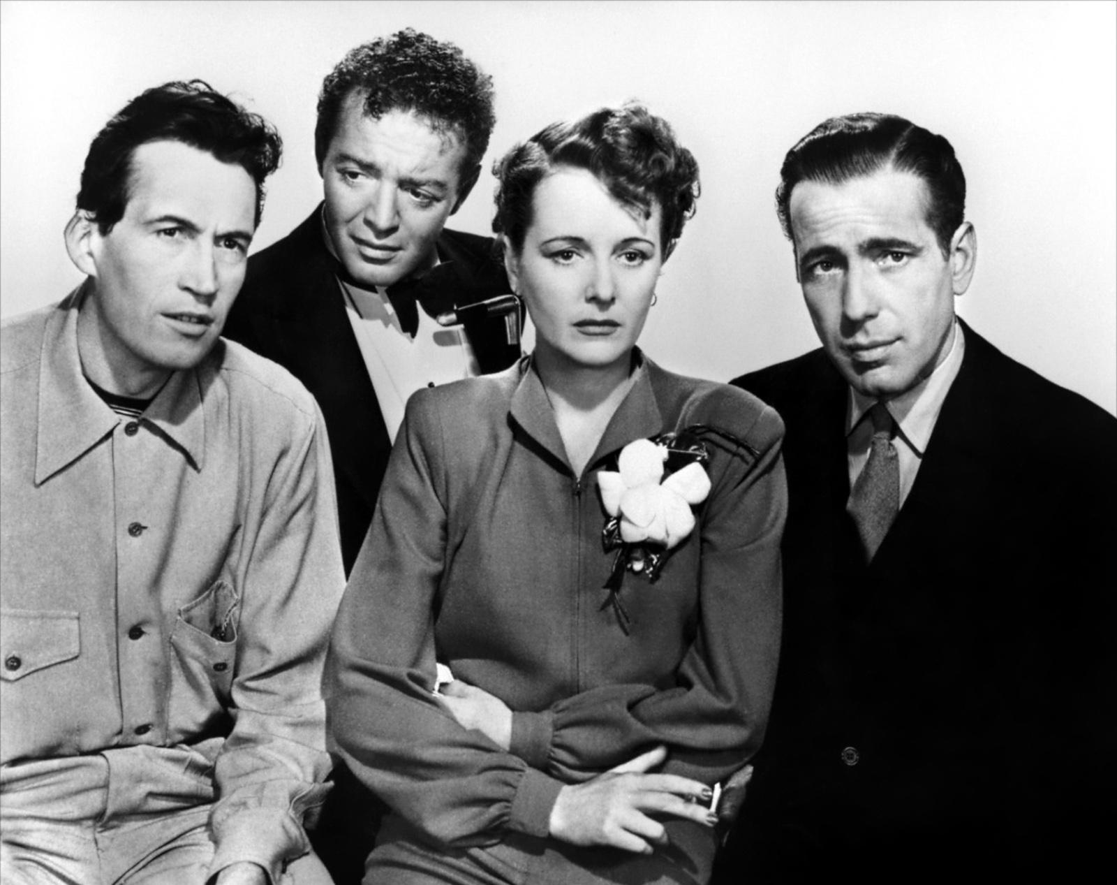 Слева направо: Джон Хьюстон, Петер Лорре, Мэри Астор, Хамфри Богарт
