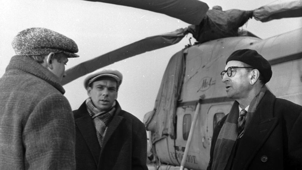 Иннокентий Смоктуновский, Алексей Баталов и Михаил Ромм на съемках «Девяти дней одного года». 1961