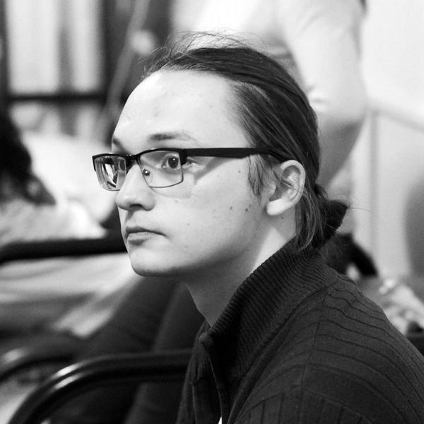 Илья Верхоглядов
